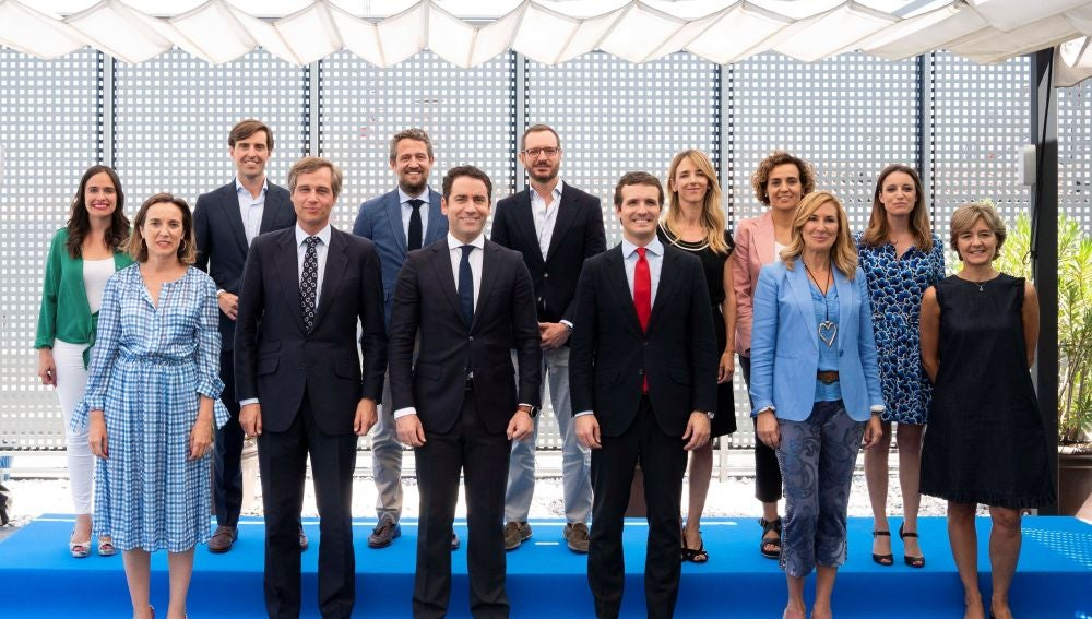 Pablo Casado junto al resto de integrantes del nuevo Comité de Dirección del PP