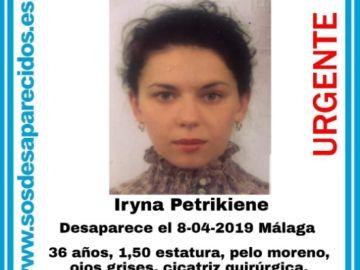 El cartel que aporta datos y fotografía de la desaparecida.