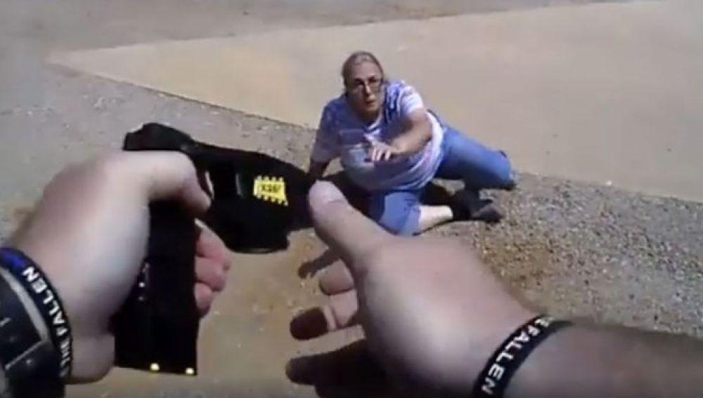 Un policía en Oklahoma dispara a una mujer de 65 años con un taser