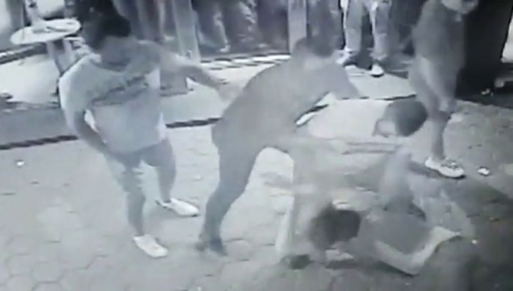 Nuevas imágenes de la agresión mortal a un joven en una zona de ocio de Barcelona