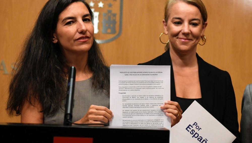 """Rocío Monasterio durante la rueda de prensa en la que ha mostrado la """"propuesta definitiva"""" para apoyar la investidura de Díaz Ayuso"""