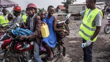 Ruanda cierra sus fronteras terrestres con la RD del Congo por la epidemia de ébola.