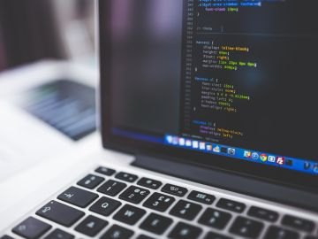 Ordenador con códigos html