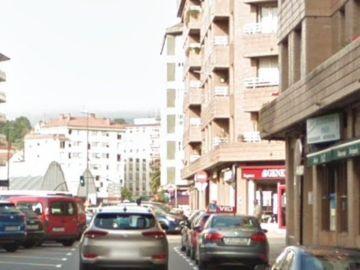 La calle en la que el hombre apuñaló a su expareja en Pola de Siero, Asturias