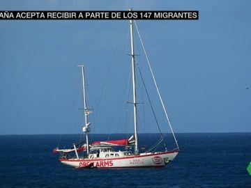 El Open Arms ya fondea en aguas italianas a la espera de entrar en un puerto