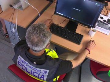 Así lucha la Policía contra el ciberyihadismo para evitar atentados y la radicalización de jóvenes