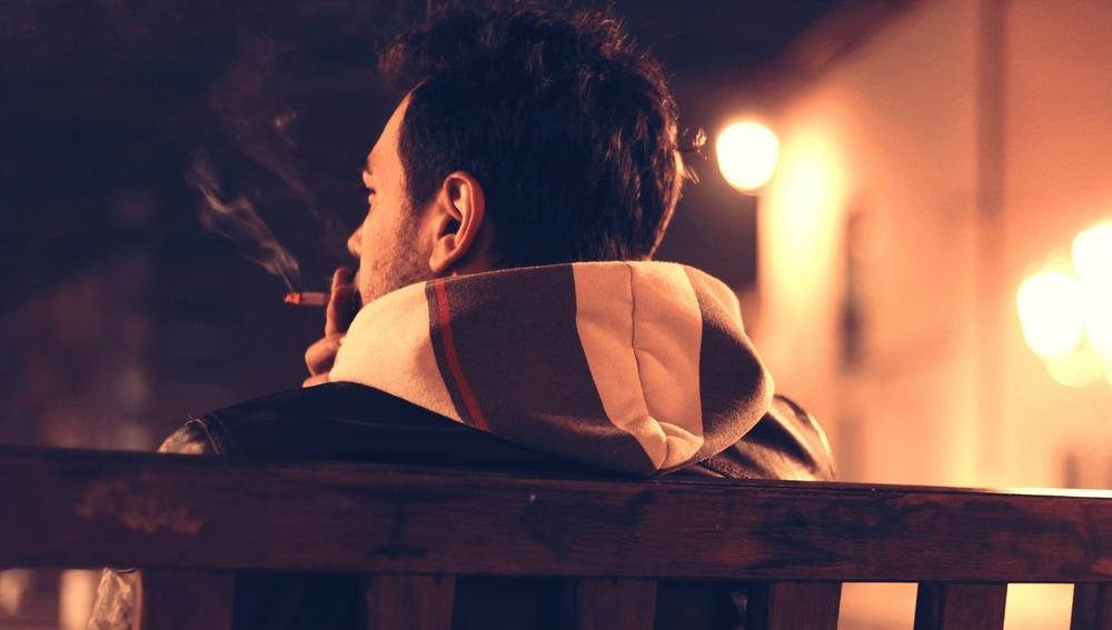 Las evidencias sugieren que la nicotina altera más el sueño que el café y el alcohol.