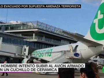 Cancelan un vuelo París-Barcelona tras el arresto de un hombre con un cuchillo