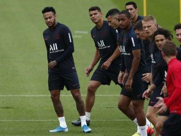 Neymar se entrena con el PSG