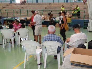 Varias personas desalojadas por el incendio de Gran Canaria en el polideportivo mucipal de Agaete