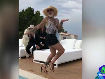 Paula Prendes flipa con el cuerpo de Gianluca Vacchi en el vídeo 'de su transformación'