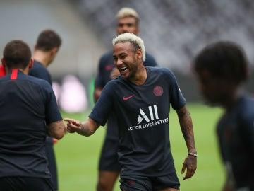 Neymar, durante un entrenamiento del PSG