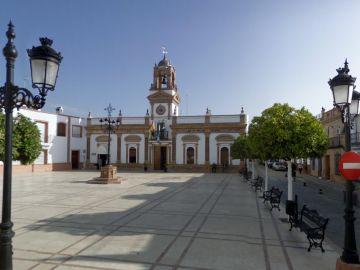 Imagen de la plaza del Ayuntamiento de Chucena