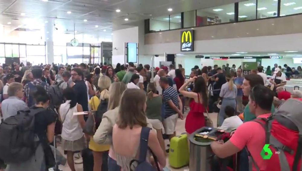 Dos averías en Renfe generan retrasos de más de hora y media en los trenes de Cataluña