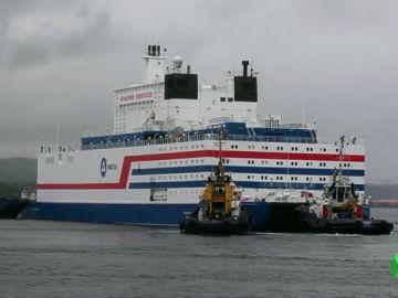 "Rusia envía al Ártico su ""Chernóbil flotante"""