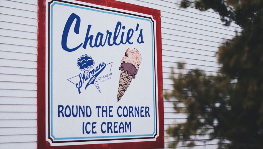 Busca Charlie y encontrarás esta foto
