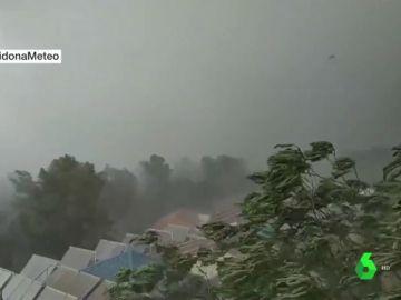 Un fuerte temporal deja 50 litros por metro cuadrado en media hora en Archidona, Málaga