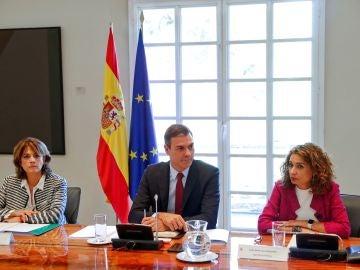 Pedro Sánchez preside una reunión de la Comisión interministerial para el seguimiento del Brexit