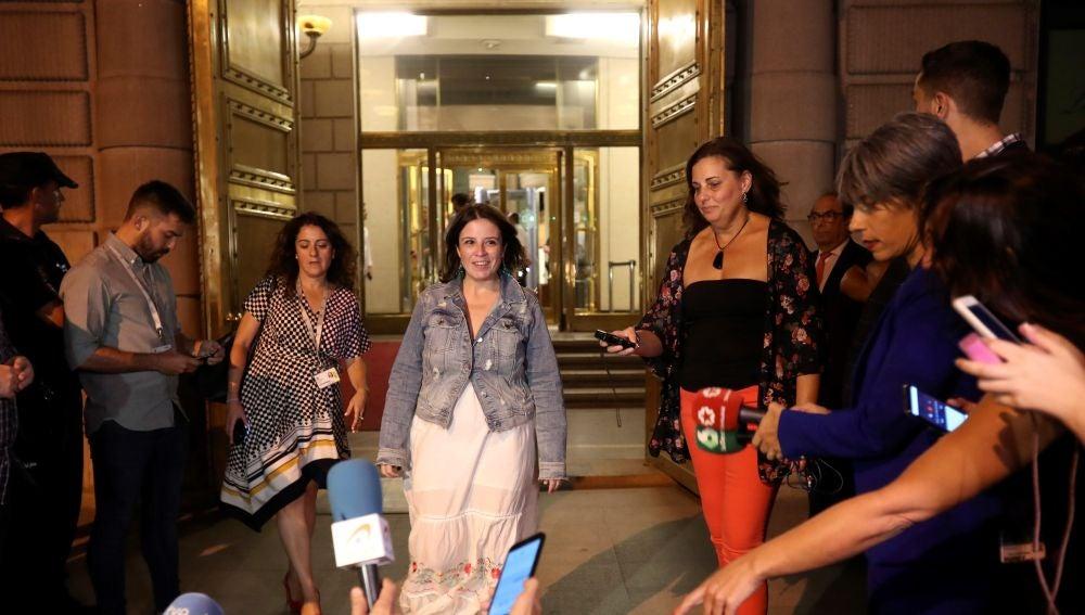Adriana Lastra, tras la reunión con Podemos