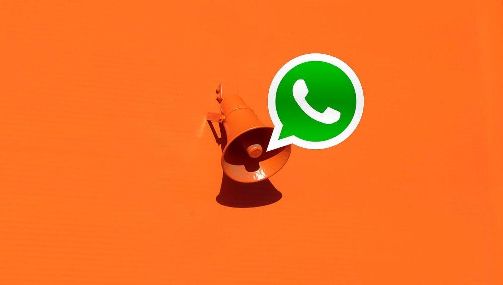 Un megáfono y WhatsApp