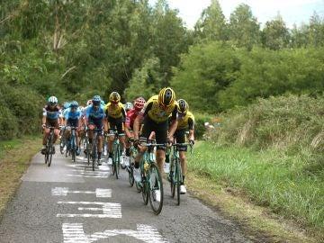 El pelotón de la Vuelta, en la etapa 12