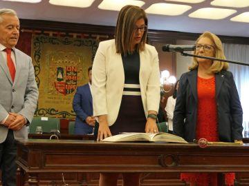 En el centro Noelia Posse, alcaldesa de Móstoles
