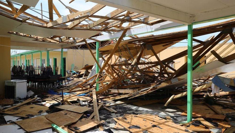 Destrucción por el huracán Dorian en Bahamas