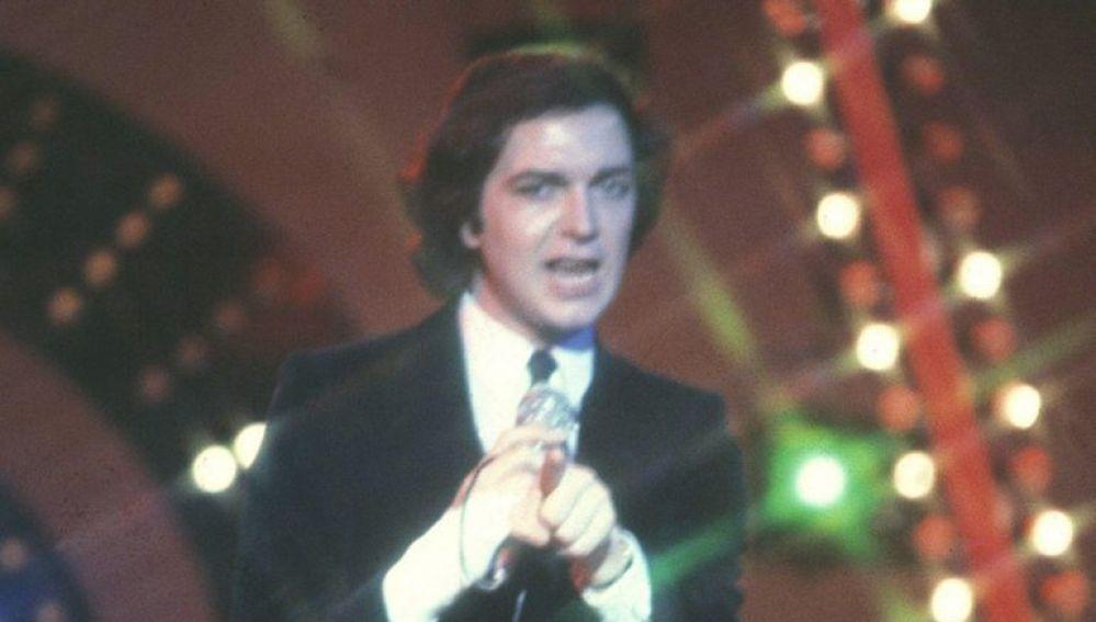 Camilo Sesto durante una actuación