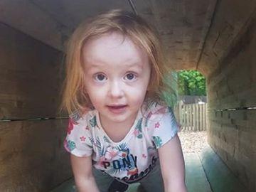 La pequeña Aoife Flanagan-Gibbs