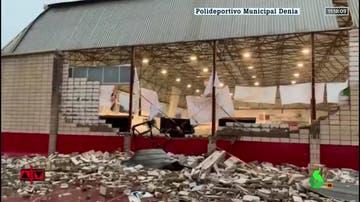 El estado en el que ha quedado el polideportivo de Dénia tras el tornado