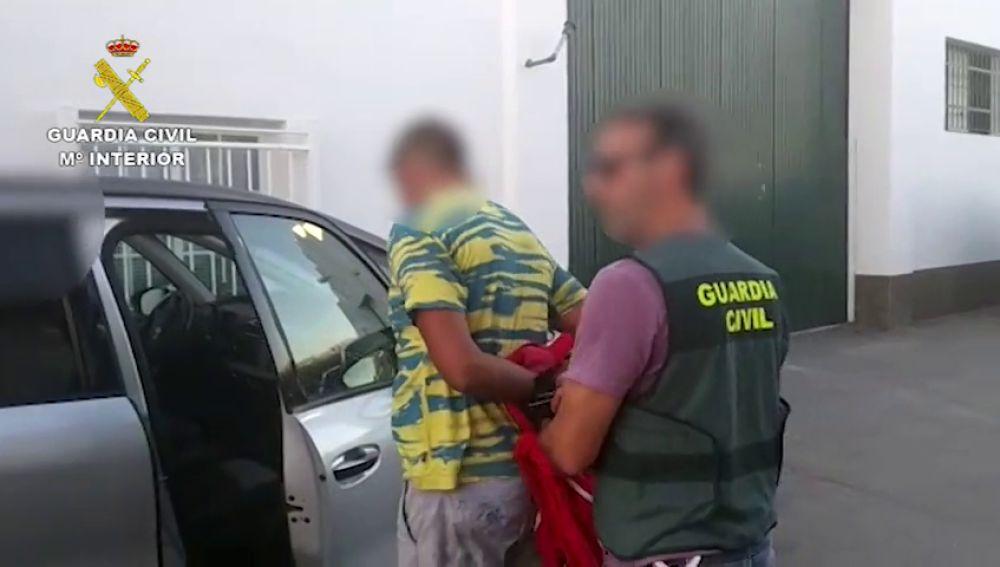 Imagen del momento de la detención del novio de Dana Leonte