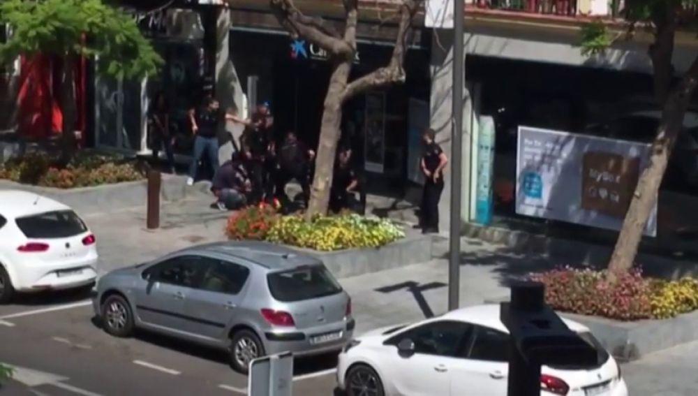 Detención a dos trabajadores en Estepona