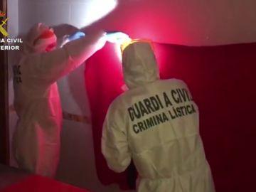 Las imágenes del registro de la vivienda de la pareja de Dana Leonte, la chica desaparecida en Málaga