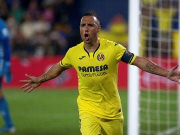 Cazorla celebra un gol