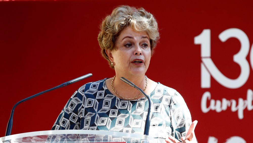 La expresidenta de Brasil, Dilma Rousseff, durante su intervención en un acto de apoyo a Lula da Silva en el 130 aniversario del sindicato UGT.