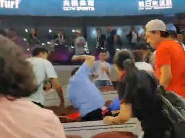 Momento de la pelea durante el Kerber-Zhang