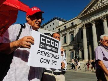 Concentración de pensionistas ante el Congreso