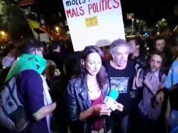 Agresión a una periodista durante la manifestación del 1-O en Barcelona