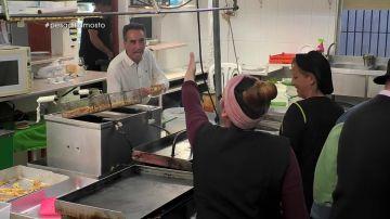 """Gritos de """"gilipollas"""" en la cocina: el """"bonito ambiente de trabajo"""" con el que trabajan en el 'Mosto Tejero'"""