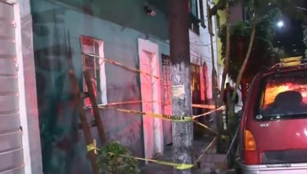 Un hombre apuñala a sus seis hijos y prende fuego a su casa en México