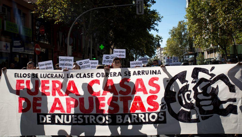 """Madrid reclama un ocio """"digno"""" frente a la """"plaga"""" de las casas de apuestas."""