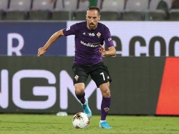Ribery, durante un partido con la Fiorentina
