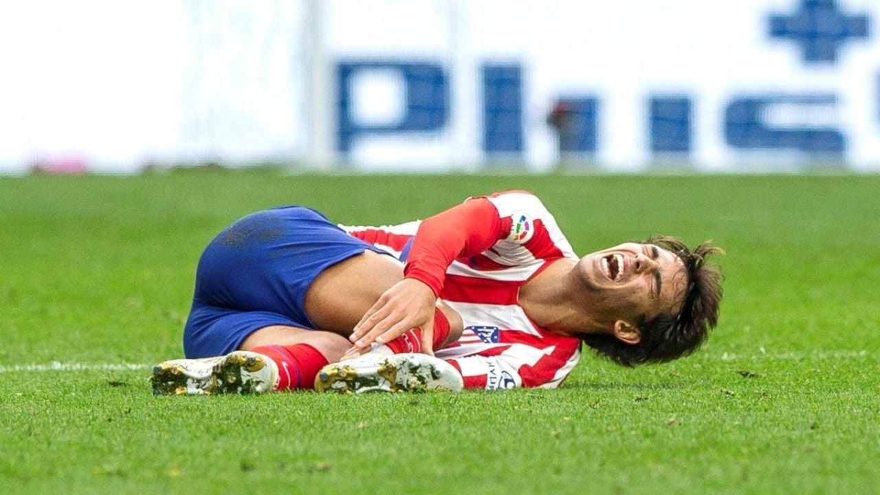 Joao Félix, tendido en el suelo