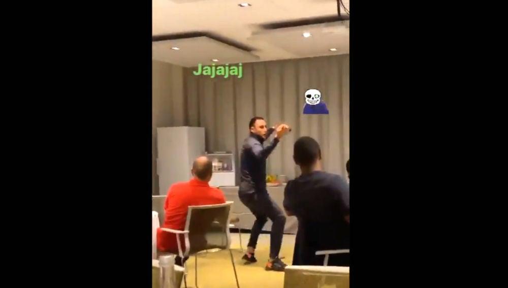 Keylor Navas, bailando