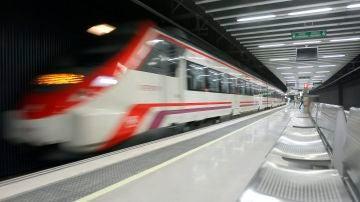 Imagen de archivo tren de Cercanías.