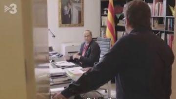 Momento en el que Quim Torra recibe la noticia en su despacho