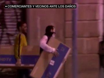 Los comerciantes, los otros grandes afectados por las protestas en Cataluña: tiendas saqueadas y escaparates reventados