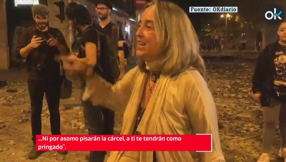 Una vecina abronca a los CDR en Barcelona