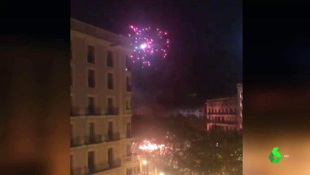 Detenido uno de los jóvenes que lanzó pirotecnia a un helicóptero de los Mossos en Barcelona