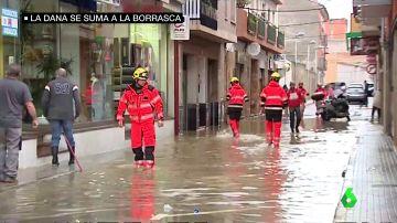 Las imágenes que deja la DANA en el Mediterráneo: mangas marinas, olas de cinco metros y carreteras cortadas